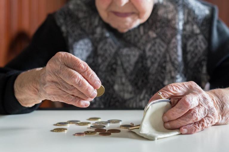 Важно за всички пенсионери! Ето кое правило ви носи по-голяма пенсия!