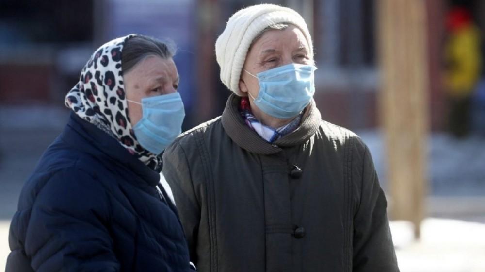 Обмислят забрана на хората над 65 години да излизат от къщи
