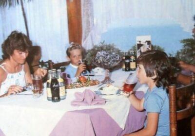 Така изглеждаха ресторантите през соца: Шопската салата 70 ст., а голямата ракия вървеше по левче