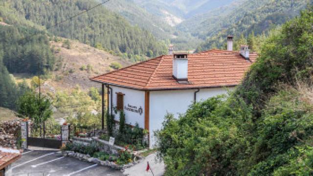 Пловдивско село с 61 жители има 7 милионери и две мечки!