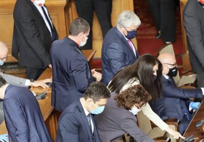 Депутатите отново си вдигат заплатите - този път с 500 лв отгоре!
