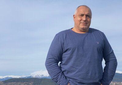 Борисов продължава обиколката на Коледа в Родопите: Навсякъде строим и хората го оценяват