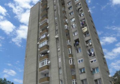 """Чудо: 12-годишно момиче оцеля след падане от 18-ия етаж, кръщават го в манастир """"Свети Мина"""""""