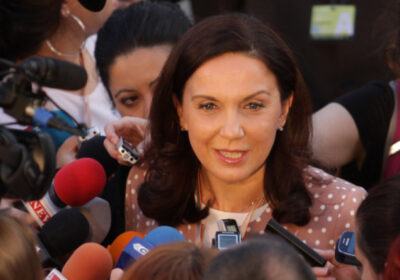 Антония Първанова: Като манипулират общественото мнение, поне да избираха по-умни говорители