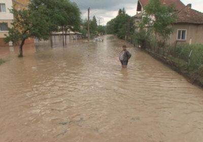 Наводнения и порои в половин България, какво ни чака в следващите дни