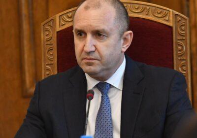 Румен Радев нанесе жесток удар на Борисов и правителството за новата година
