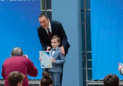 6-годишният Лъчезар Томов от Бургас е най-младият златен медалист по математика в света