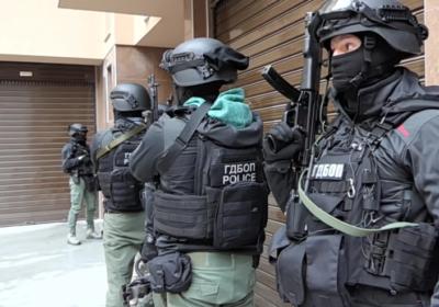 Разбиха банда за заплахи и поръчкови побои по списък, ръководена от жена